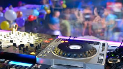 Die richtige Clubmusik: Trends und auf Altbewährtes setzen!